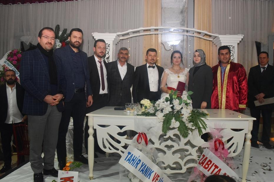 Kemalpaşa'da her mahalleye bir düğün salonu yapıldı