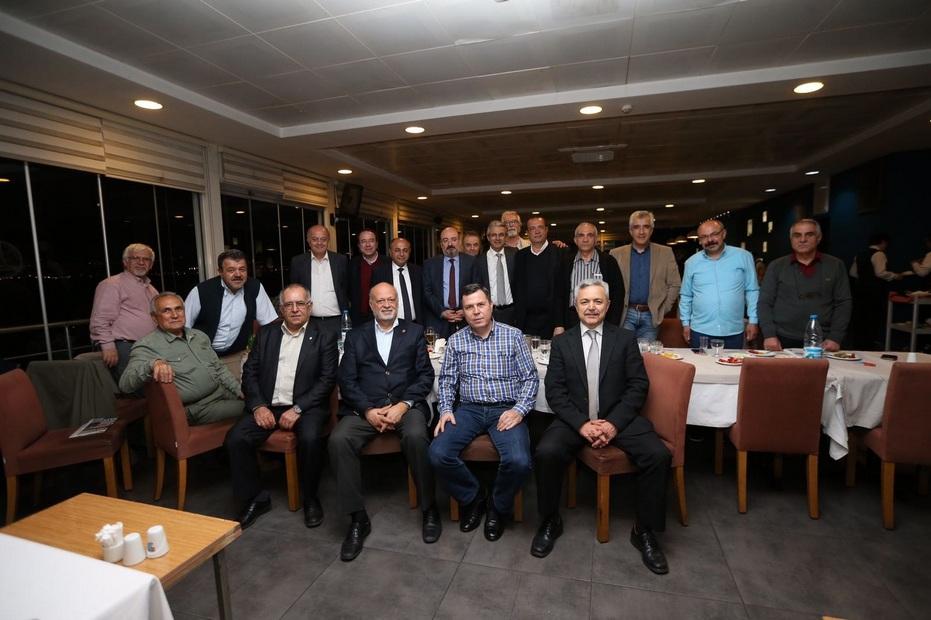 Tansaş eski çalışanları Karşıyaka'da buluştu
