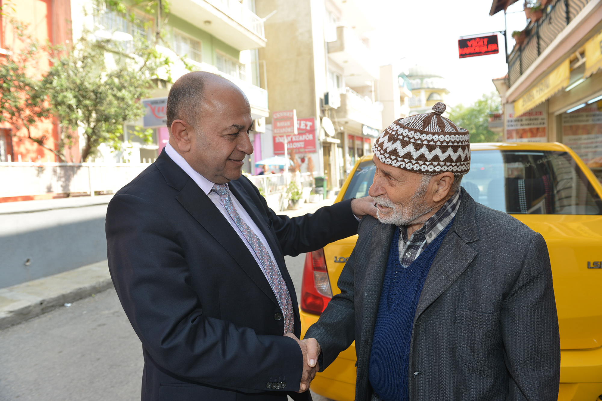 Başkan Hasan Arslan mahalle turlarına devam ediyor