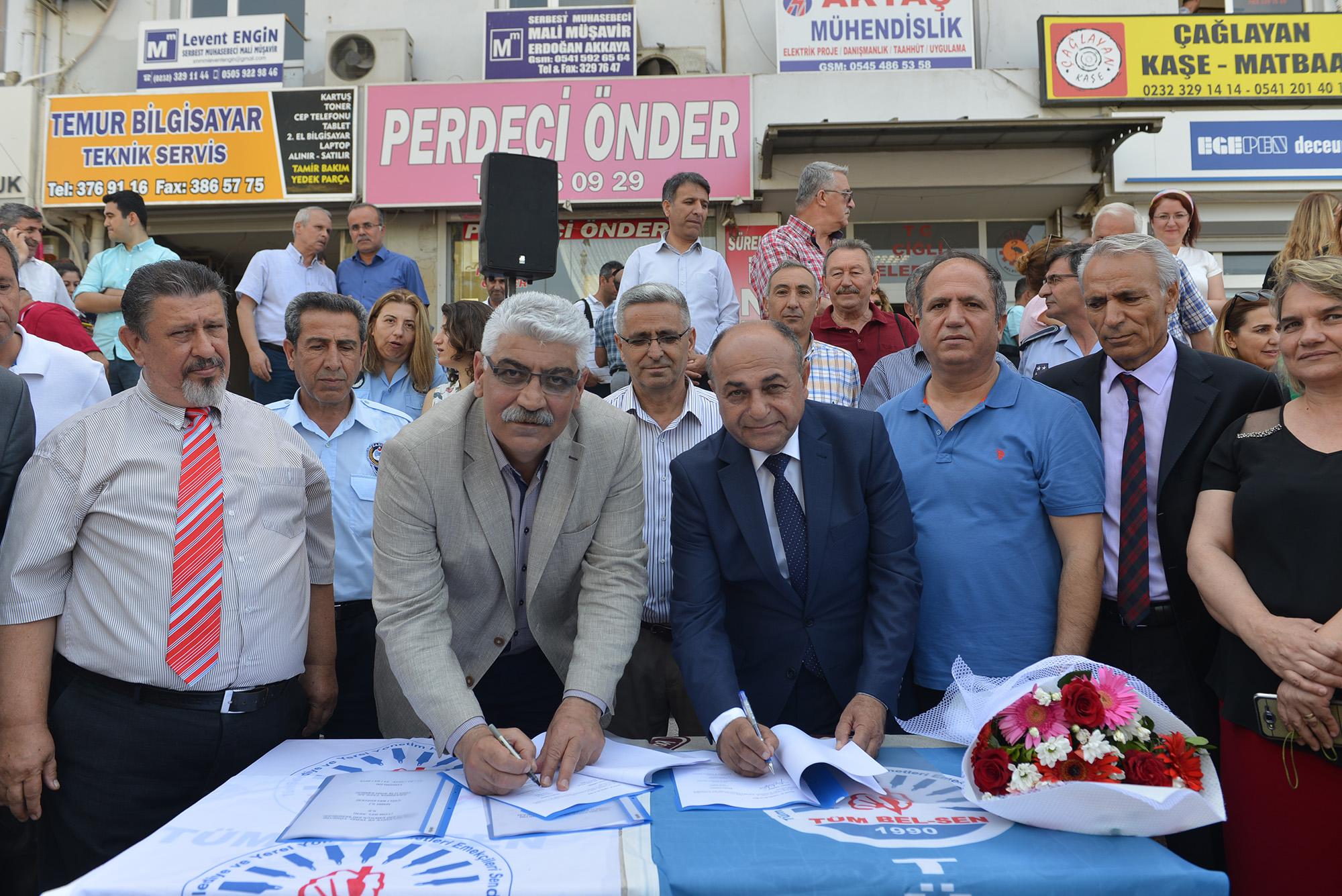 Çiğli'de memur toplu sözleşmesi imzalandı