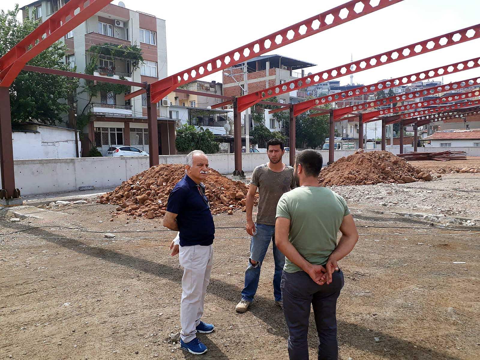 'NAFİZ GÜRMAN PAZAR YERİ' İNŞASI HIZLA DEVAM EDİYOR