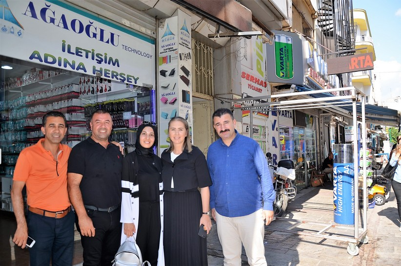 İzmir Hizmetten Yana Oy Kullanacak