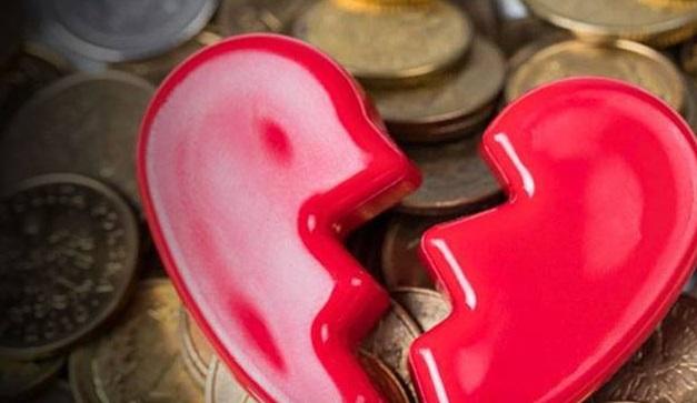 Sevgilin yatakta sadık ve dürüst peki ya finansal konularda
