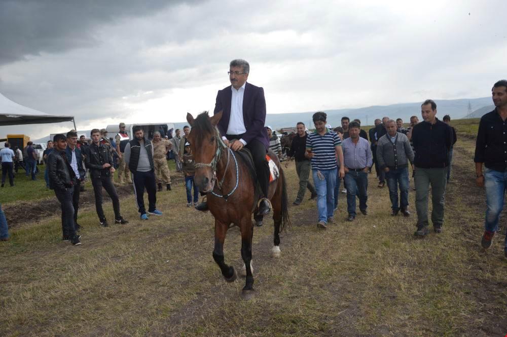 Ardahan'da Rahvan ve Doğu Anadolu At Yarışları Şampiyonası