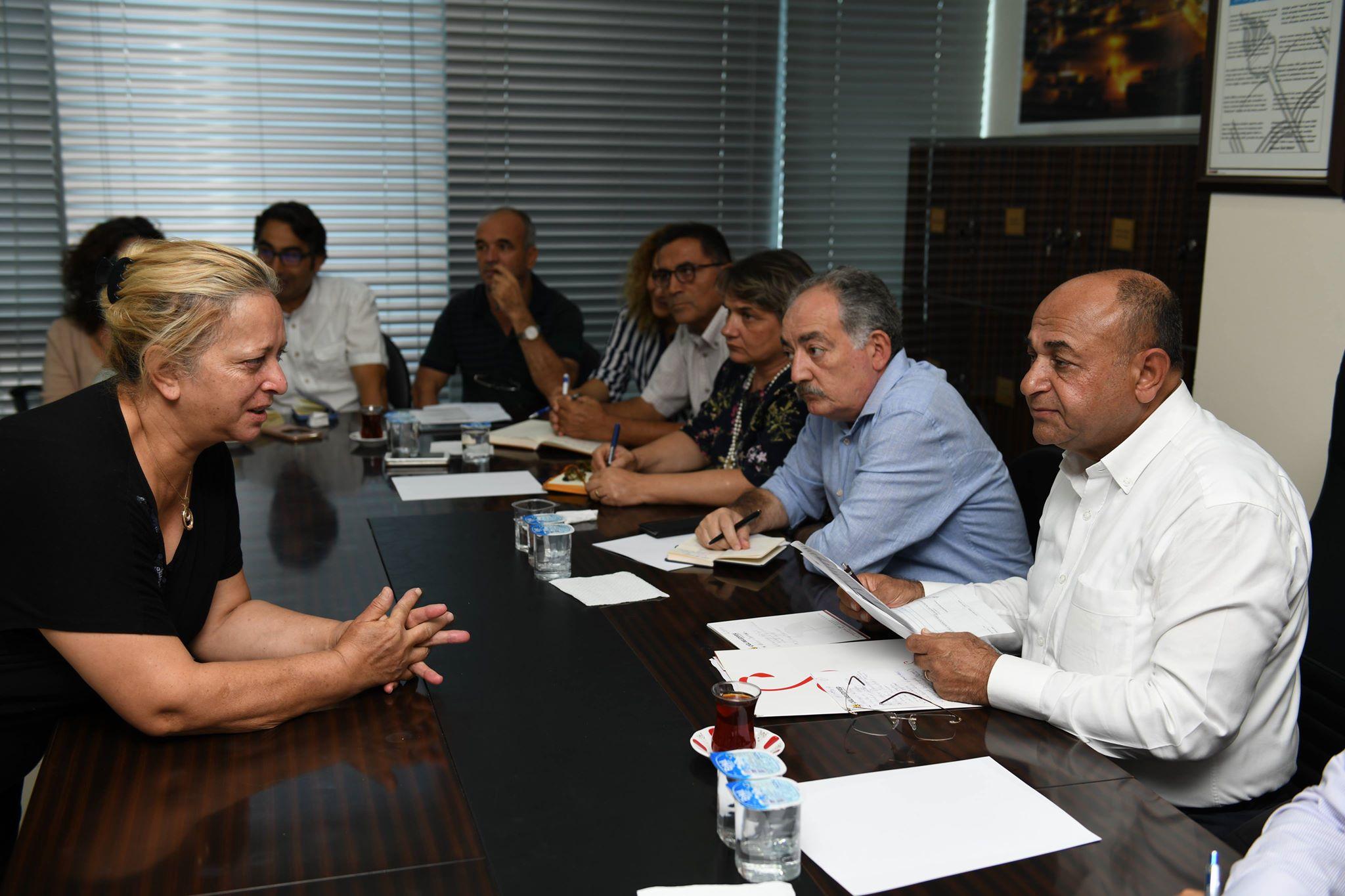Başkan Hasan Arslan, halk günlerinde vatandaşla buluşuyor