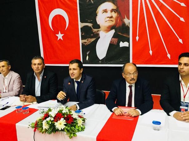 YÜCEL'DEN AKP'YE KRİZ VE CEHALET GÖNDERMESİ.