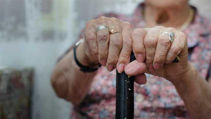 En düşük emekli aylığının asgari ücret seviyesine yükseltilmesi gündemde
