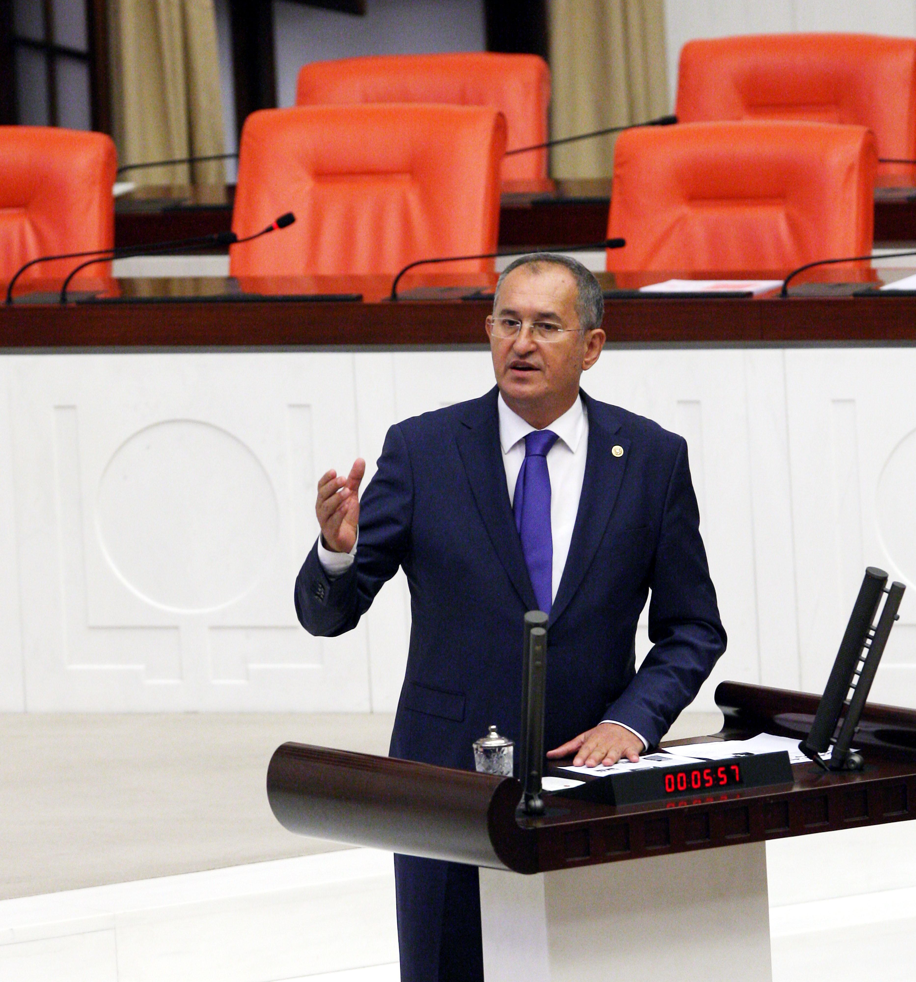 """Cengiz İnşaat'ın """"Ali Cengiz"""" Oyunu!rnrnMehmet Cengiz'e İzmir kıyağırnrnCengiz İnşaat'a ballı satış"""