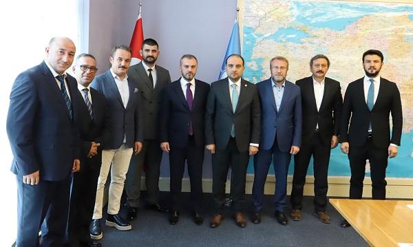 AK Parti İzmir'de 4 ilçeye Taze Kan