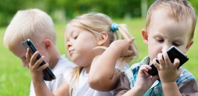 İnternette vakit harcayan çocuklar sakıncalı sitelere karşı korunmuyor