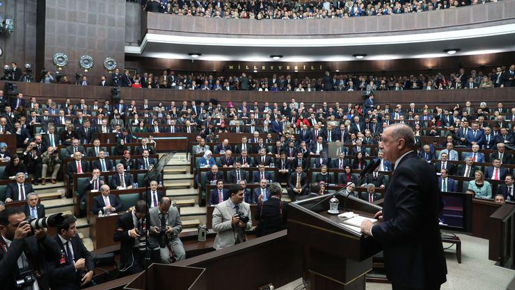 AK Parti'nin belediye başkan adayları açıklandı