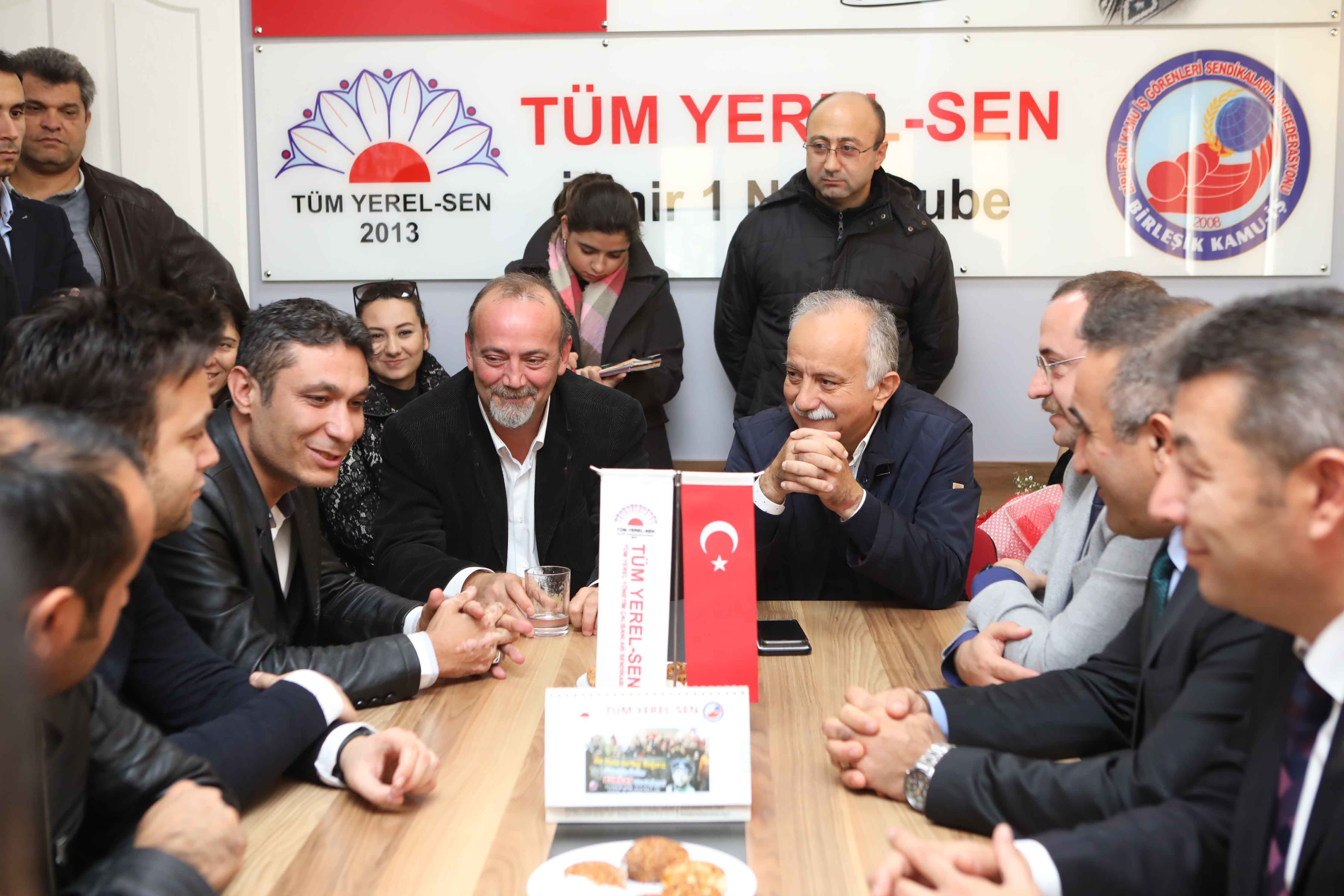 """Tüm-Yerel-Sen'den Başkan Karabağ'a """"Emeğimiz seninle daha değerli!"""""""