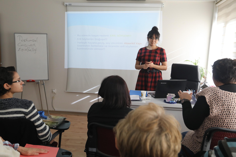Buca'da toplumsal cinsiyet eşitliği masaya yatırıldı