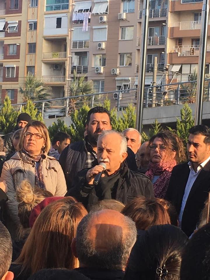 Bayraklı'da Hasan Karabağ'a Vatandaşlardan Büyük Destek
