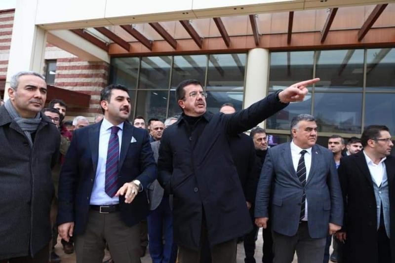 Nihat Zeybekci Çiğli ve Kemalpaşa ilçelerini ziyaret etti