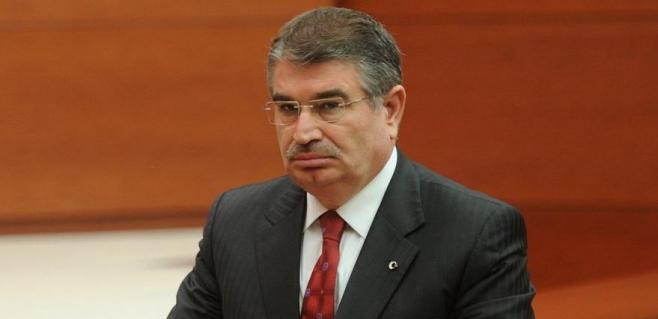 AKP'li eski bakan İYİ Parti'den aday oldu!