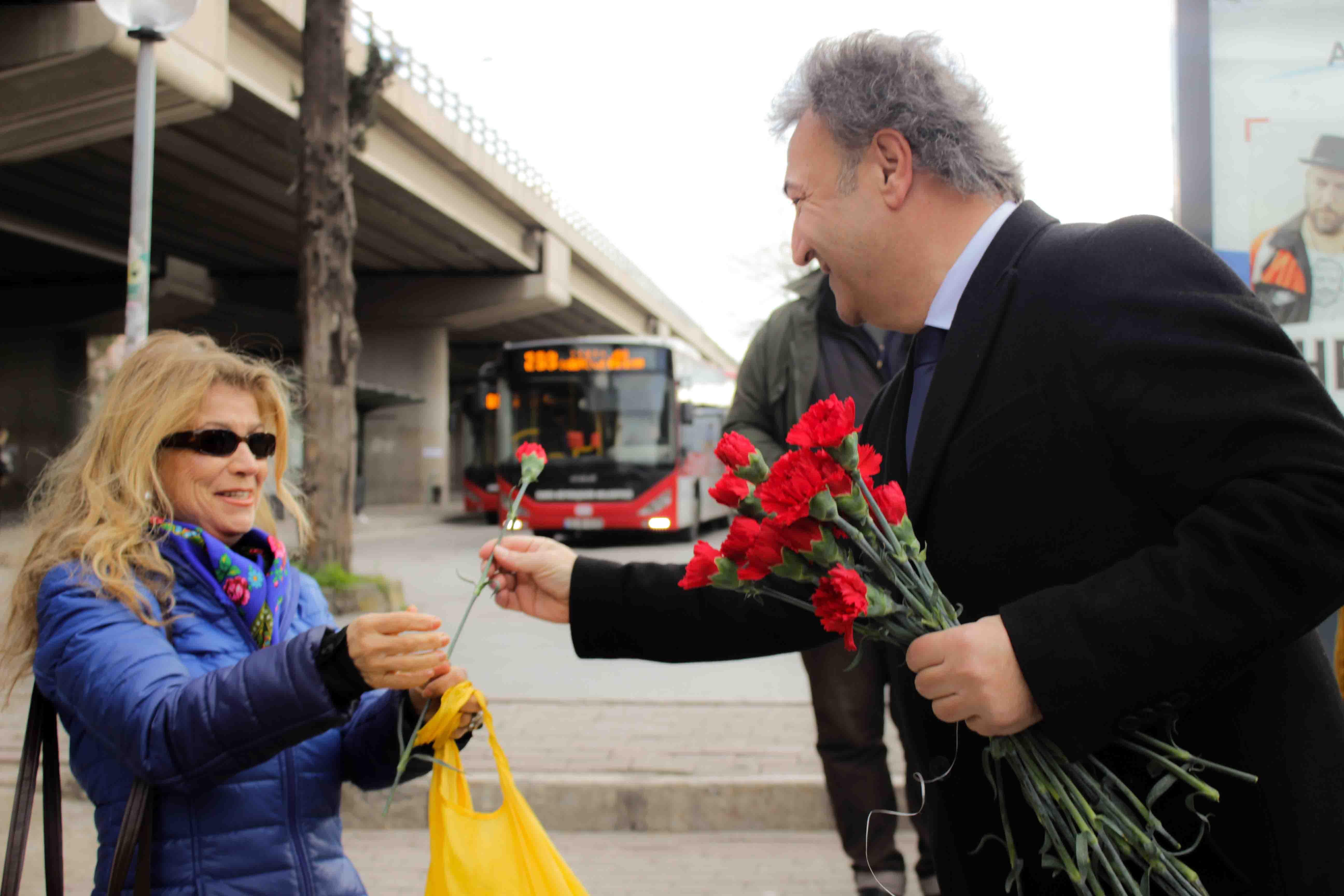 İduğ'dan 'Küçük Park'ta sevgililer günü sürprizi