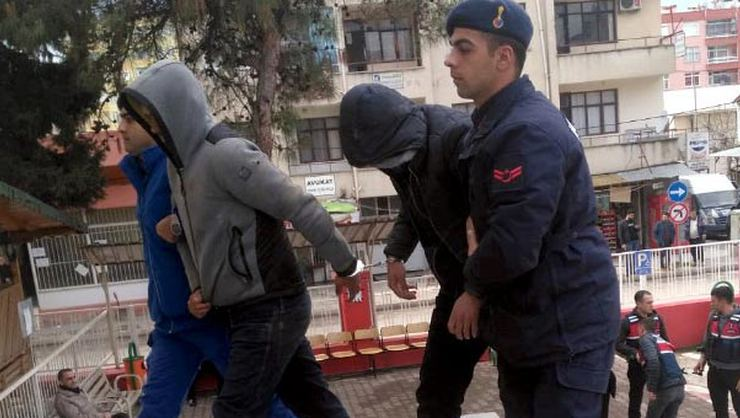 Camiden anons yapıldı, şehit babasını dolandıranlar yakalandı