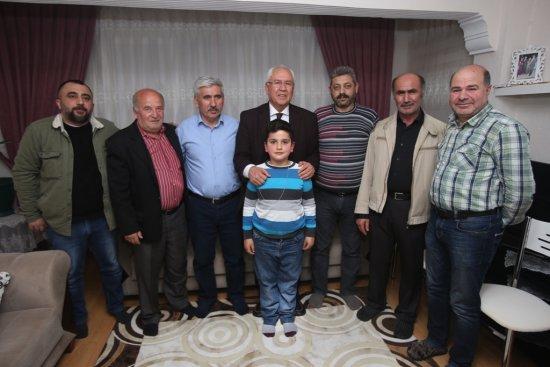 CHP'li Selvitopu'nun ev ziyaretleri sürüyor