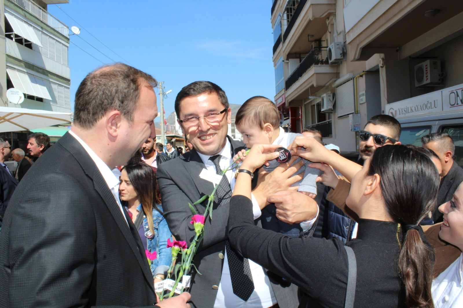 CHP ÇİĞLİ ÖRGÜTÜ TAM KADRO SAHADA