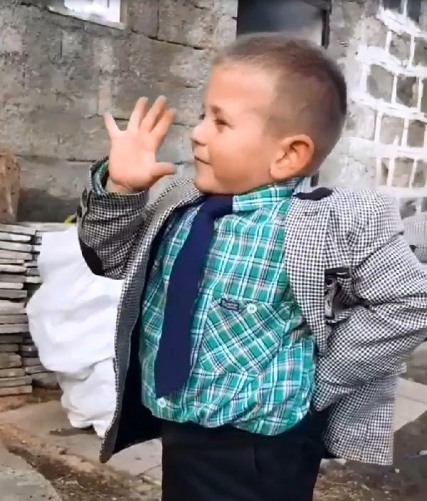 ARDAHAN'da 5 Yaşındaki Çağatay'ın 'Adaylık' Açıklaması Beğeni Topladı