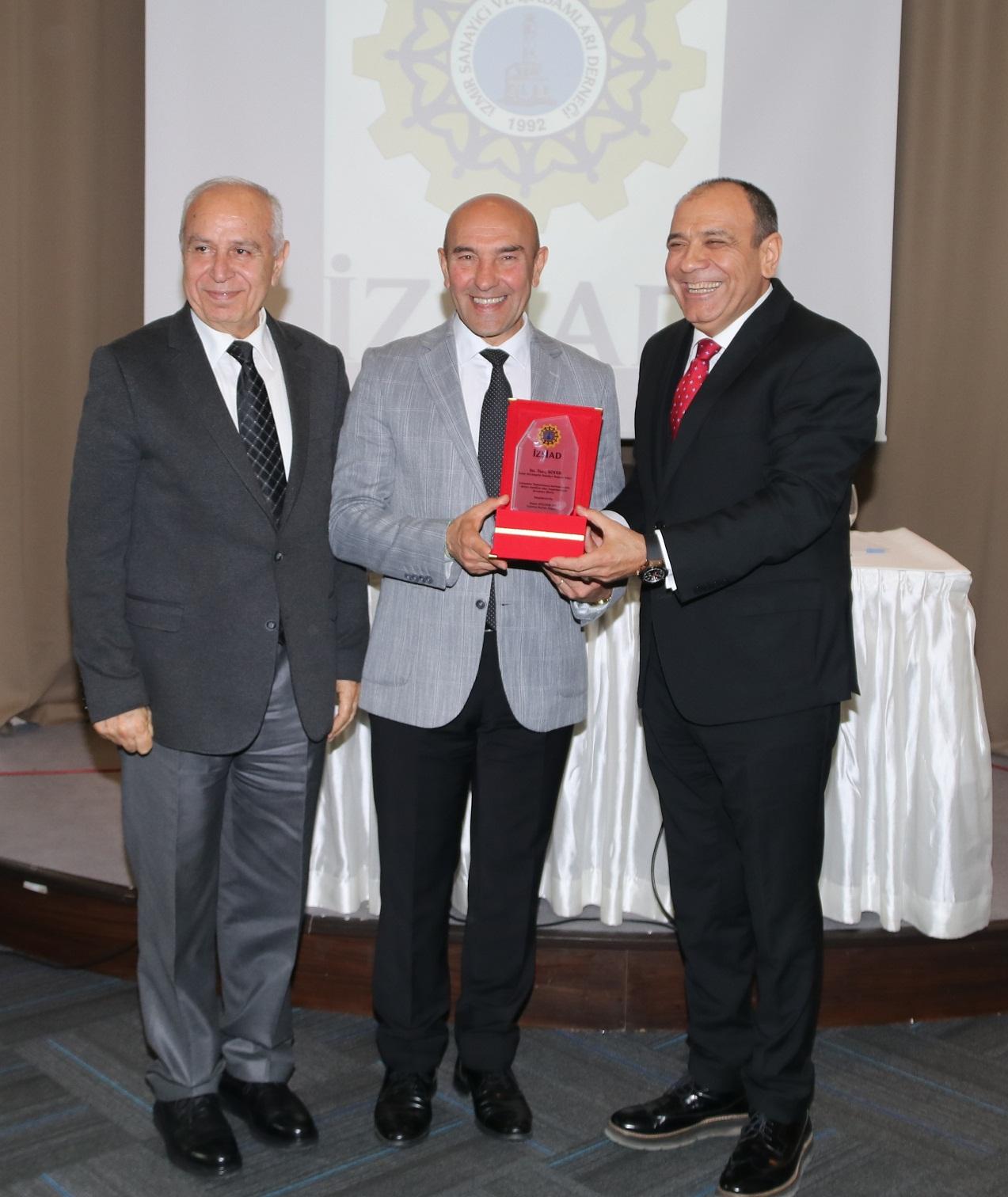 "Tunç Soyer: ""Benim ideolojim İzmirizm"""