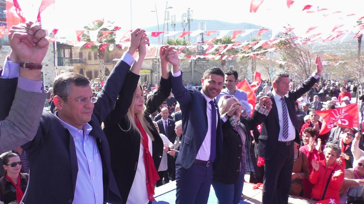 """CHP'li Özel: """"Foça'yı Fesli Kadir İttifakına karşı koruyamazsak"""