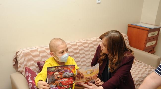 """Fatma Çalkaya'dan anlamlı çağrı """"Hasta Çocuklar için destek istedi"""