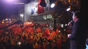 İzmir hazır ol, Zeybekci geliyor