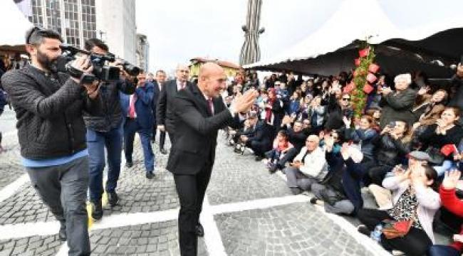 23 Nisan İzmir'de coşkuyla kutlanıyor