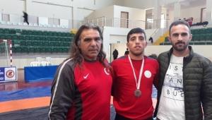 Ardahanlı güreşçi Topkaya 75 kiloda bronz madalya kazandı