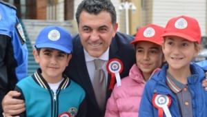 Başkan Demir'den 23 Nisan mesajı