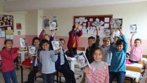 Karşıyaka'dan Cizre'ye yardım köprüsü Şırnaklı çocukların yüzü güldü