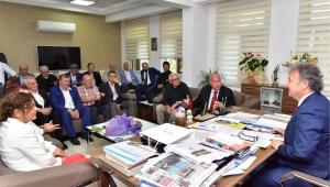 Bornova Belediyesi'nden sivil toplum kurumlarına büyük destek