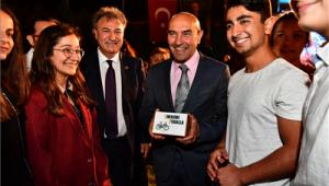 Genç girişimcilere Başkan Soyer'den tam destek