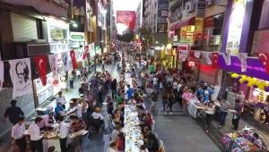 Karşıyaka Çarşı'da dev iftar buluşması