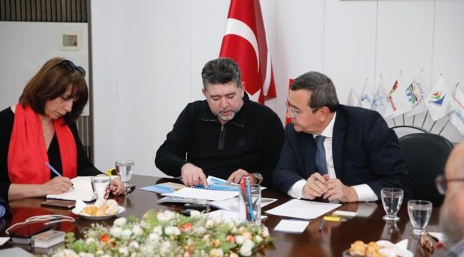 Selanik, İzmir Köprüsü kuruluyor