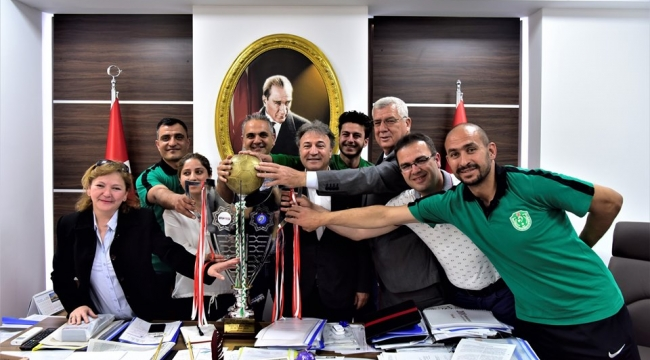 Türkiye Şampiyonlarından Başkan İduğ'a ziyaret