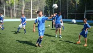 İzmir Büyükşehir Belediyesi Yaz Spor Okulları açılıyor