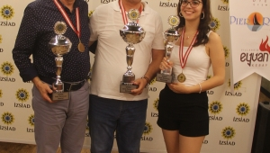 İZSİAD'da Tavla Turnuvası Heyecanı