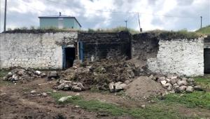 Ardahan Çıldır'da sağanak yağış evlerin yıkılmasına sebep oldu