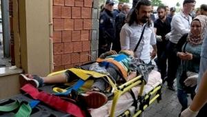 Ardahan'da Yolcu minibüsü TIR'ın dorsesine çarptı: 1 ölü, 8 yaralı