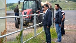 Başkan Demir, hayvan pazarını gezdi