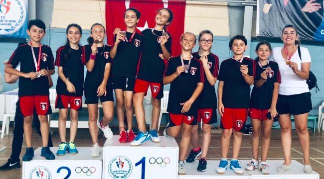 Çiğli, Badminton'da Madalyaya Doydu