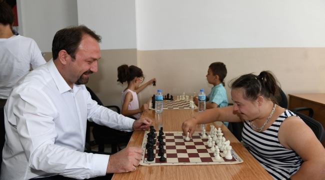Çiğli Belediyesi Gençleri Satranç Masasında Buluşturuyor