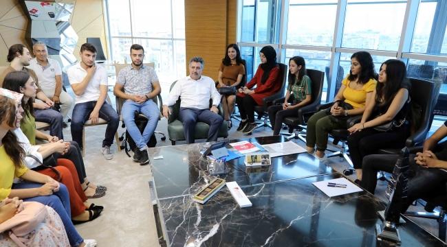 BAYSEM öğrencilerinden Başkan Sandal'a ziyaret