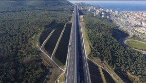 İstanbul-İzmir otoyolunu 9 günde 1.7 milyon araç kullandı