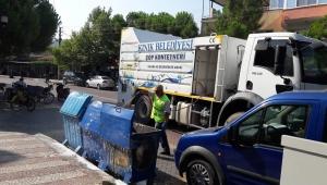Kınık Belediyesi Temzilik İşlerin'den Tüm Çöp Konteynerlerine Dezenfekte Çalışması