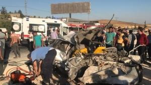 Trafik kazası: 3 ölü, 12 yaralı