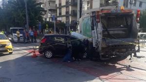 Alsancak'ta feci kaza taksi çöp arabasına çarptı 2 ölü